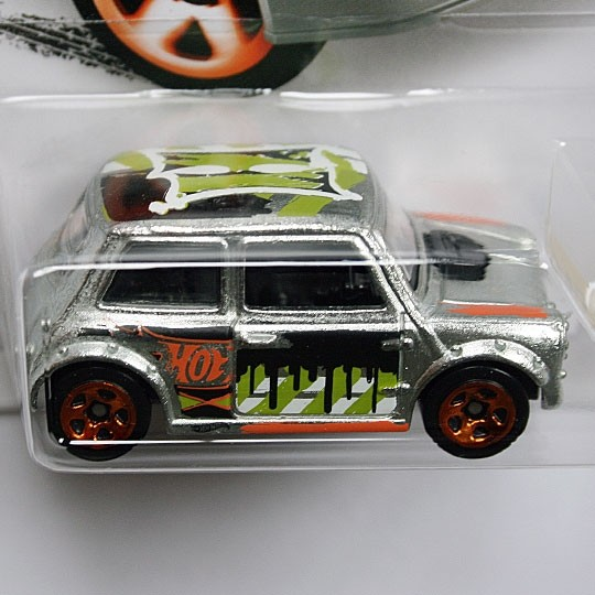 Hot Wheels | Morris Mini Art Car Zamac