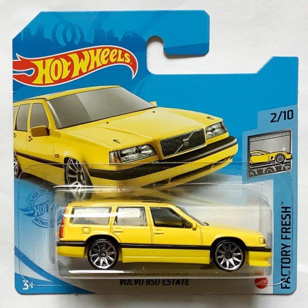 Hot Wheels | Volvo 850 Estate yellow