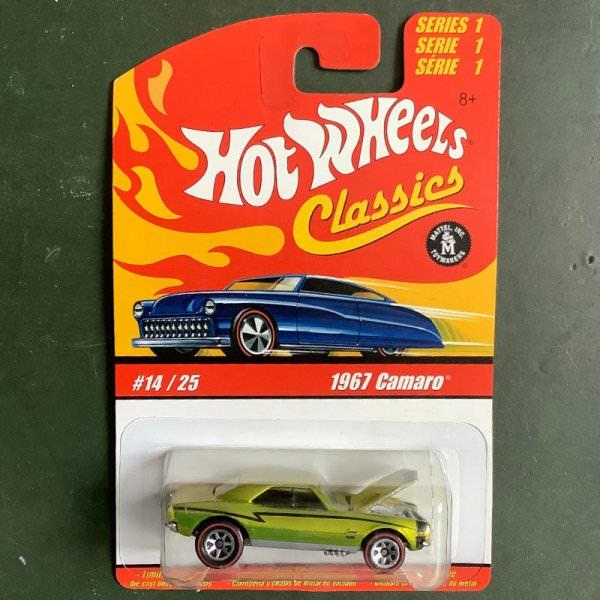 Hot Wheels | Classics Series 1 #14/25 1967 Camaro light green metallic