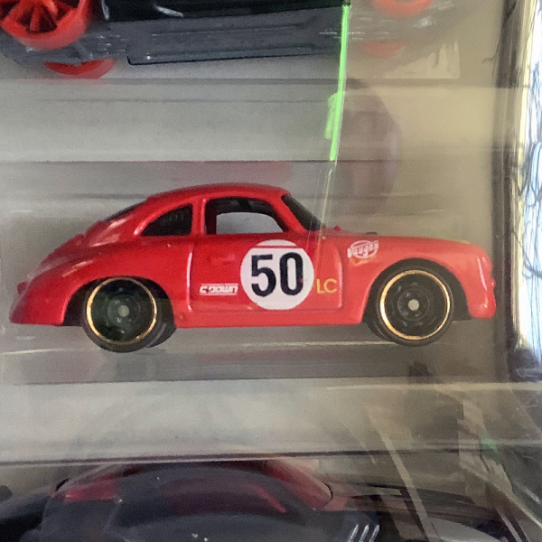 Hot Wheels | 3-Pack mit rotem Porsche 356A Outlaw