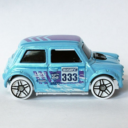 Hot Wheels | Morris Mini #333 Snow Stormer nicht vernietet