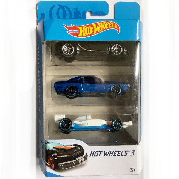 Hot Wheels | 3-Pack with black Bugatti Chiron, blue metallic '70 Dodge Challenger, white Indy 500 Oval