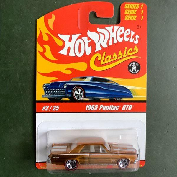 Hot Wheels | Classics Series 1 #2/25 1965 Pontiac GTO gold metallic