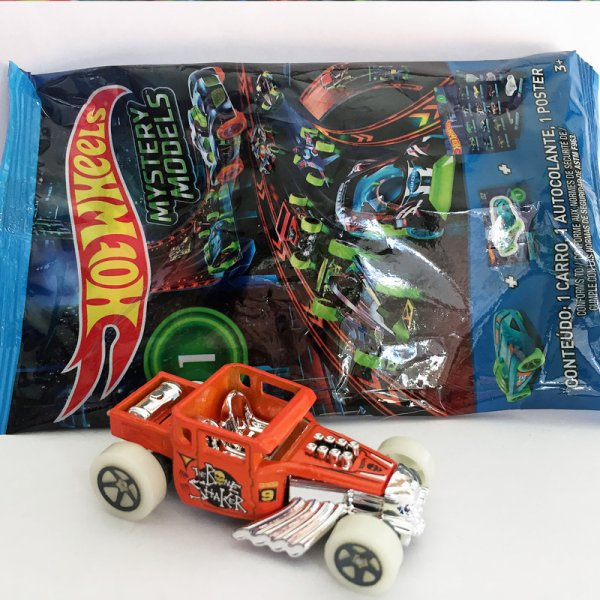 Hot Wheels | MYSTERY Models 1 2019 #09 Bone Shaker orange with Glowing Wheels